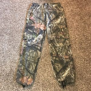 MOSSY OAK women's hunting pants with pockets